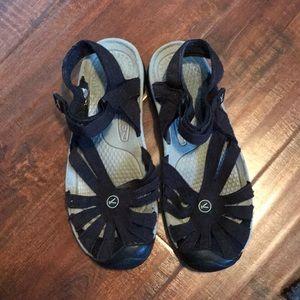 Keen black Fisherman Sandals 9